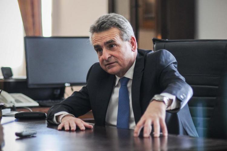 EL MINISTRO ROSSI ANUNCIÓ EL CIERRE DE FRONTERAS ARGENTINAS