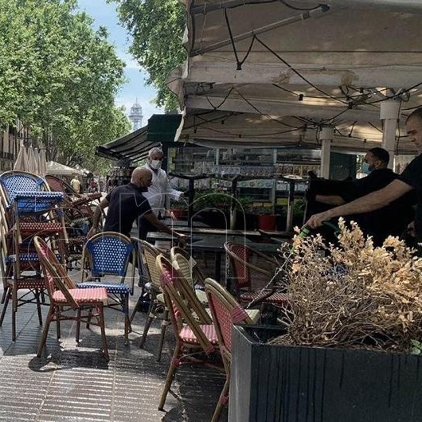 España comenzó a recuperar empleos en mayo tras la abrupta caída por la crisis