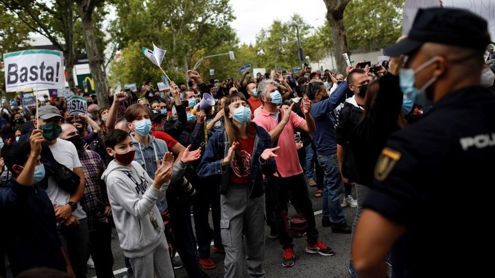 MADRID: EMPIEZA A REGIR UN POLÉMICO LÍMITE DE MOVILIDAD PARA CONTENER EL CORONAVIRUS