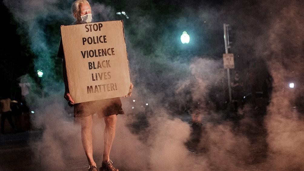 KENTUCKY: DOS POLICÍAS HERIDOS Y 127 DETENIDOS EN UNA PROTESTA ANTIRRACISTA